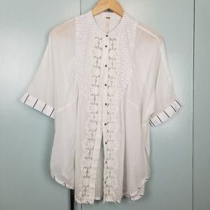 Free People Oversized lace top size S -R1